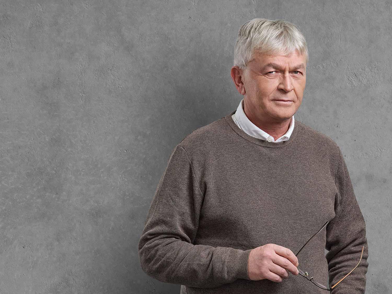 Peter Hutzler, Accounting